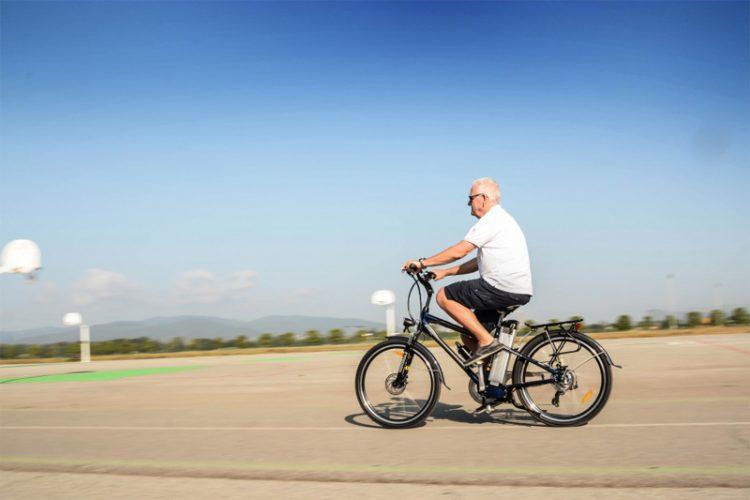 Le vélo, un sport à pratiquer après 50 ans pour rester en forme